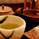 茶の葉 - 屋久島生新茶