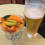 オリエンタルキッチン アンジュナ - 自家製ピクルス、これ結構トウガラシが効いて辛い。
