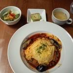 カフェ ほんわか - きのこと茄子のオムライス(600円)