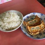 珍来 - マーボーラーメンセットのライスと餃子