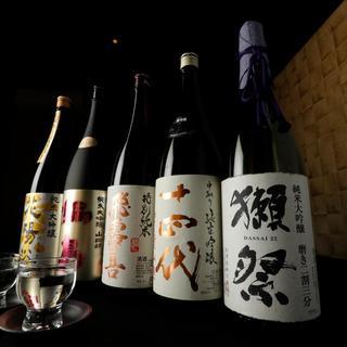 全国から仕入れる30種以上の日本酒!