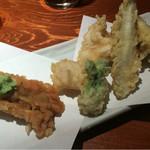 めしの助 - 天ぷら盛合せ:穴子、いたや貝、たらの芽、タラ白子、わかさぎ、ヤングコーン、さつま芋