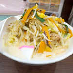 濃厚タンメン三男坊 - 野菜炒めは山盛り! 黒胡椒の風味を軽く効かせて炒めてある