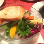 66862885 - バーニャカウダの野菜