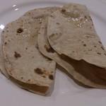 36スパイス - ・Chapati 250円