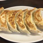 天下一 - ジャンボ餃子6個 ¥650。 腹がふくれます。