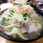 66864833 - タンメン(大盛)800円、野菜大盛(無料)、ライス(11:00-15:00無料)