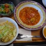 シンガポール・シーフード・リパブリック - ◆チリクラブ&炒飯セット(1940円:税込)・・スープ・サラダ付。