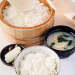 キムカツ - 国産コシヒカリの炊き立てご飯お替り自由!