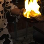肥後橋 肉食工房 アンモッテ - 焼かれるアンガス牛