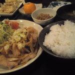 6688573 - 豚カルビ定食