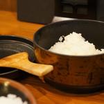 とん吉 - お替り用のおひつご飯、一膳分です(2017.5.11)