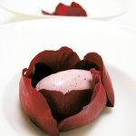 デュ・ヴァン・ハッシシ - ダマスク香、薔薇のアイスクリーム