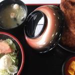 ヨーロッパ軒 - カツ丼定食、1250円だったかな。