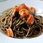 カルーソ - 料理写真:カルーソ・イカスミのスパゲッティ(2017.05)