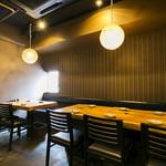 和宴処 みやま - 少人数で気軽に利用できる、1階のテーブル席