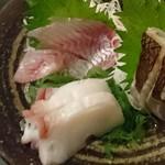 ぽん酒ガール - 志津川水産より出前。3点盛900円。
