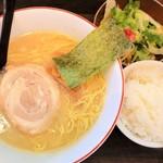 百歩ラーメン - 百歩ラーメン+半ライス+ミニサラダ