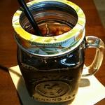 エーピージー カフェ - アイスコーヒー(瓶?グラス?蓋らしきものは一応外れます)