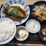 66903394 - さば味噌煮 鶏のつけ焼き 750円(税込)(2017年4月26日撮影)