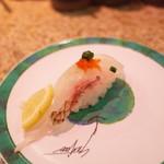 回転鮨 清次郎 - 天然真鯛