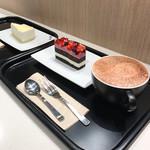 マクドナルド - チーズケーキ・ダブルベリーのケーキ・ホットチョコ