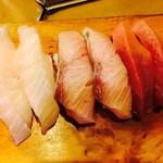 いさ美寿司 - ぶり・中とろ・真ダイ(160~180円)