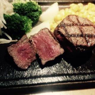Grill&Wine RED3 - 人気の赤身!フィレステーキ!