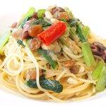 66914466 - フィオーレ 1350円 のホタルイカと小松菜のイン・ジィミーノ