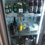 土佐の酒とうまいもの 神楽坂 ぼっちりや - 冷蔵庫の下3段は立ち飲みでオーダーできるお酒