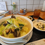 中華風食堂 HANA - 野菜たっぷりそば