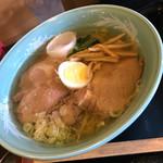松くら そば店 - チャーシュー麺 塩
