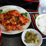 66923197 - ザンタレ定食のザンタレ、ライス、ザーサイ。                       大衆中華定食屋で食べるザンタレよりずっと美味しいです(^^)写真2枚目の担々麺(ハーフ)付いて1,100円