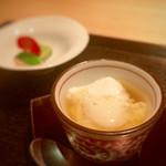 美の - 自家製の豆腐 空豆ゼリー寄せ 生クリーム入りのお豆腐はクリームチーズのようにまったり濃厚!美味しい♡