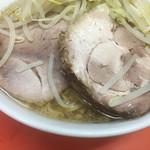 ラーメン二郎 - 大判の豚2枚♪