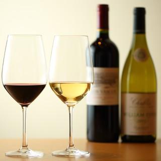 一串、一串に合う、日本酒、ワインを提供致します。