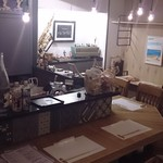 日本酒バー オール・ザット・ジャズ - 改装後の店内カウンター席