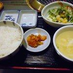大平楽 - サラダと卵スープで+150円