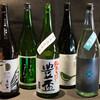 吉祥寺 三うら - ドリンク写真:日本酒 花垣・美丈夫・うまからまんさく・豊盃・奥・北島