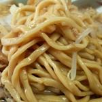 ラーメン荘 おもしろい方へ - モチモチの太麺