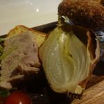 Casual Dining PiPi - 淡路オニオンのロースト1/2個