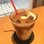 CAFE Elliott Avenue - アイスカフェオレ550円