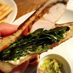 66935776 - パンがかなりおいしい!サクサクの食感                       カジキマグロがこんなにパンに合うなんて〜✨✨