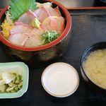 JIVA食堂 - 白身三種丼1000円