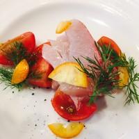 ラメーラ(la mela) - 鮮魚のカルパッチョ、フルーツトマト添え