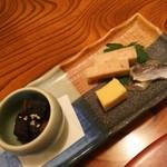 66943860 - (2017年5月 訪問)前菜。鮪の角煮、明太チーズ、海老かまぼこ、ままかり。
