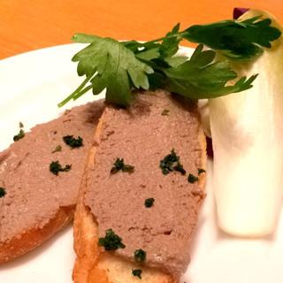 ペッシェドーロ 新宿店 - 鶏レバーのクロスティーニ