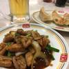 餃子の王将 - 料理写真:ジャストサイズのもつ味噌炒めと餃子!ビールももしかしてジャストサイズのがお得かもしれない。ご飯の量について聞いたら、店員のお兄ちゃんが的確な答えしてくれてよろしかったです。