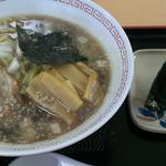 ふれあい喫茶ぽぽ - 燕系ラーメンおにぎり付き   600円