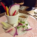 貝殻荘 - 朝取れ野菜  780円